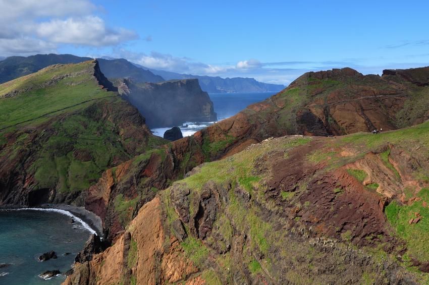 Acantilados de Madeira Un hermoso destino turístico: la isla Madeira