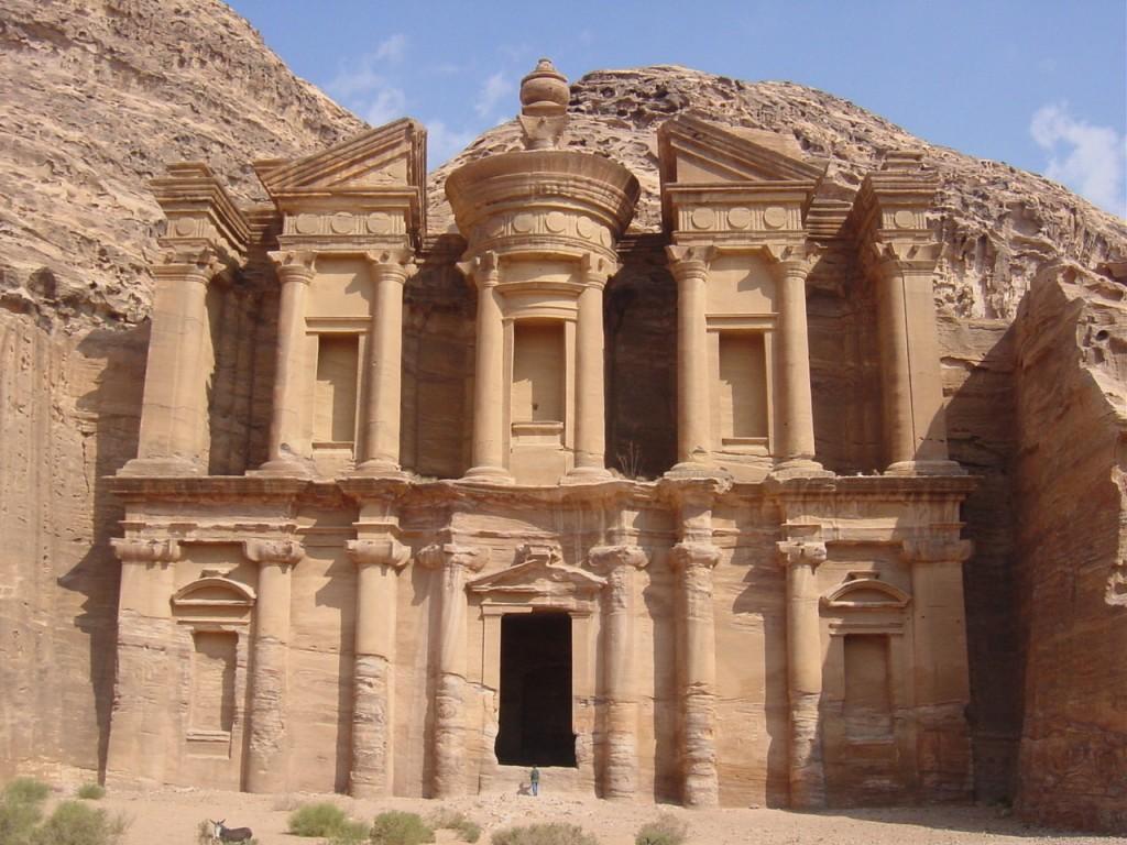 Petra Jordania 1024x768 Conoce las 7 Maravillas del Mundo Moderno