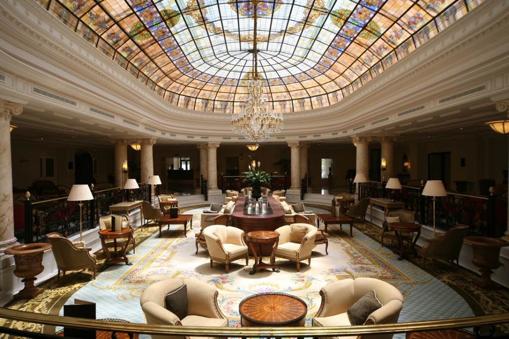 lobby hotel hilton buenavista toledo 1024x682 El hotel Hilton Buenavista Toledo es el mejor hotel de lujo en España