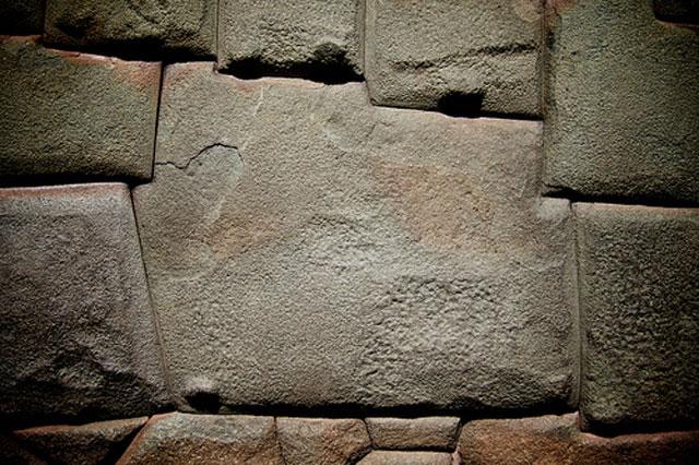 piedra de los 12 angulos cusco  Viajar a Machu Picchu: recomendaciones que debes tener en cuenta