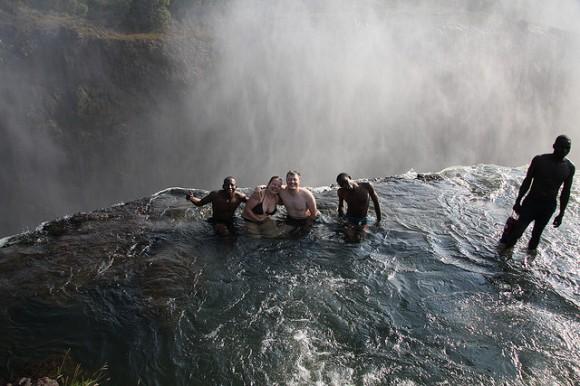En la piscina del Diablo Las Cataratas Victoria: maravilla africana