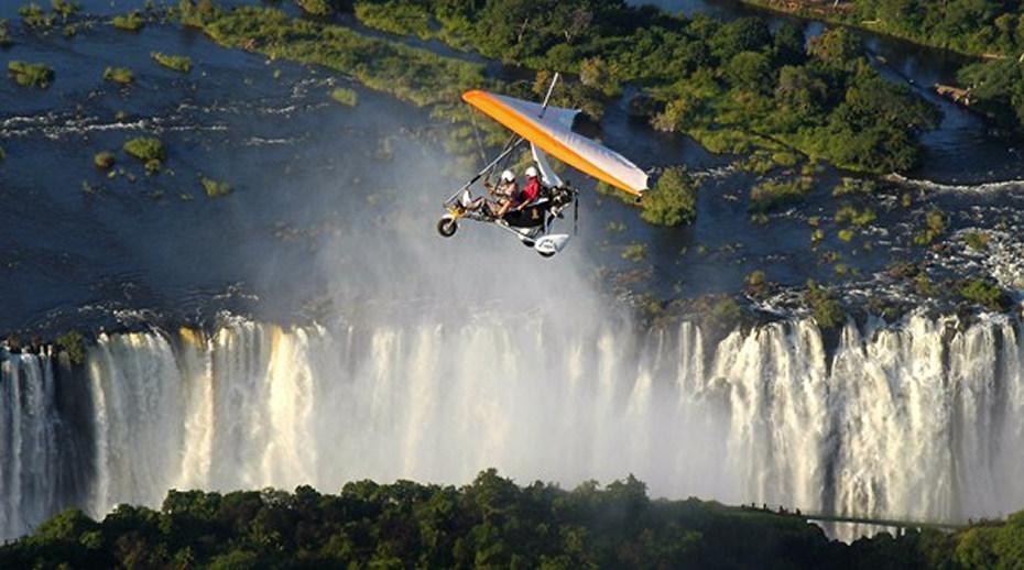 sobrevolando cataratas victoria  Las Cataratas Victoria: maravilla africana