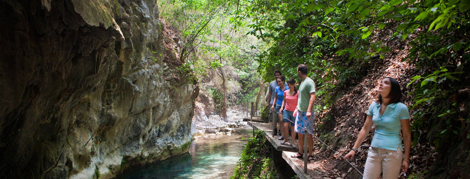 ES ECOTURISMO  Ecoturismo en vacaciones de julio