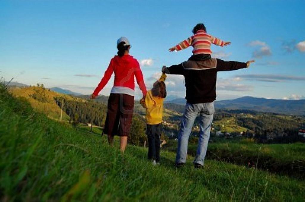 familia vacaciones 1024x680 Guía para organizar las vacaciones en familia